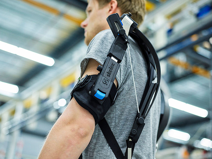 Technology: Heesen tests exoskeletons for workers