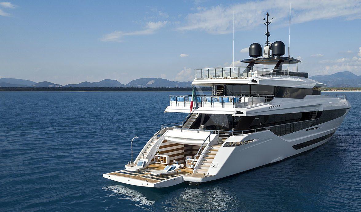 Gina Robertson | Your Yacht Charter Broker